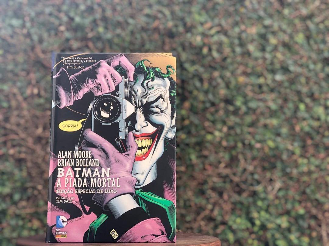 'A Piada Mortal' entrega o melhor de Batman e Coringa
