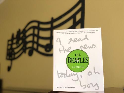 'As Letras dos Beatles' é uma verdadeira linha do tempo sobre o quarteto britânico